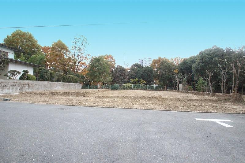 【建築条件なし・完成宅地】いま大人気の泉ヶ丘エリア、槇塚台で家を建てる